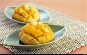 マンゴーの切り方ってなぜあの四角が並んだ形なの?