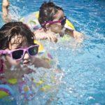 おむつが外れていない子供をプールに連れて行くのはダメ?